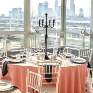 Tischdeko und Dekoration mieten und leihen für eure Hochzeit als Hochzeitsdeko beim Dekoverleih NRW und Hessen rosa cherry bäume blossom kirschblütenbaum kerzenständer 5 artig schwarz