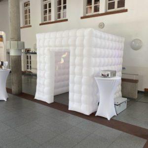 fotobox cube hintergrund cube party booth wand raum mieten und leihen für hochzeit geburtstag und event sunnydeko