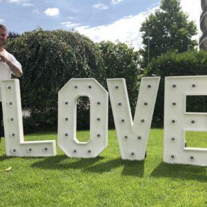love Buchstaben Hochzeit mieten und leihen günstig