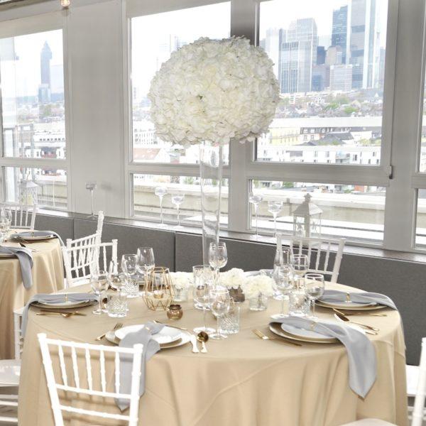 Blumenbouquet Pure White Hochzeitsblumen Florist Kunstblumen mieten diy Hochzeit und Event dekoverleih 1