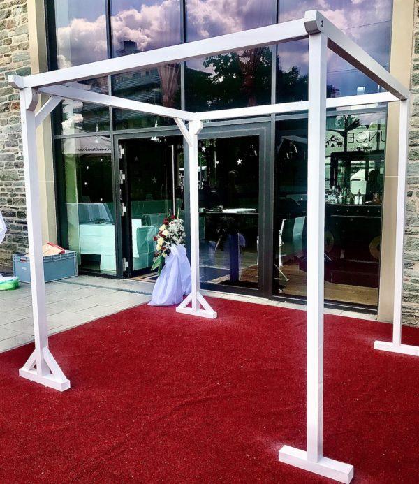 Pavillon weiss weiß für freie Trauung Hochzeits bogen mieten und leihen frankfurt am main dekoration deko eckig sunnydeko