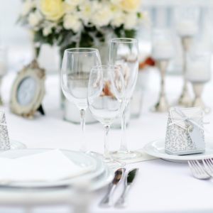 Geschirr glas Gläser mieten für hochzeit und event günstig und billig