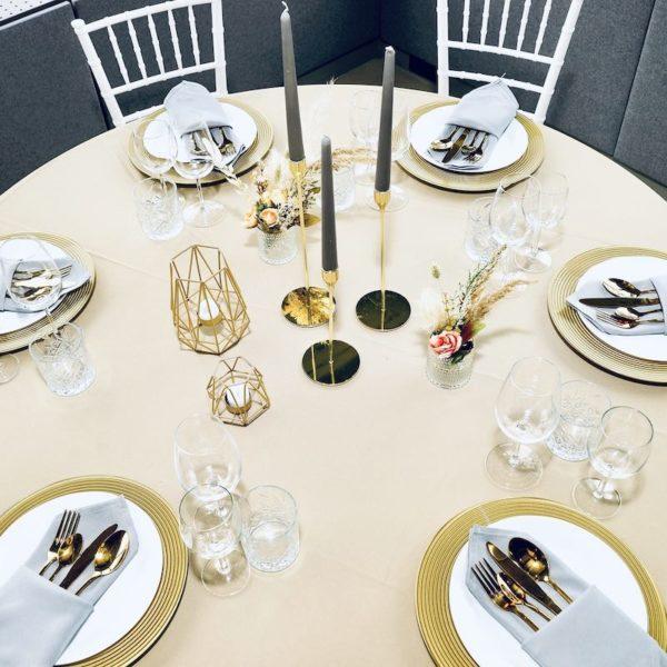 goldenes Besteck in gold für Hochzeit und Event mieten und leihen beim dekoverleih für hochzeitsdeko verleih Set