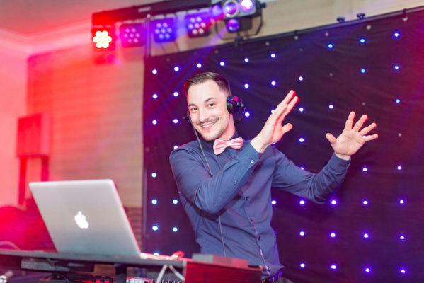 russischer dj für hochzeit am tanzen swadba svadba