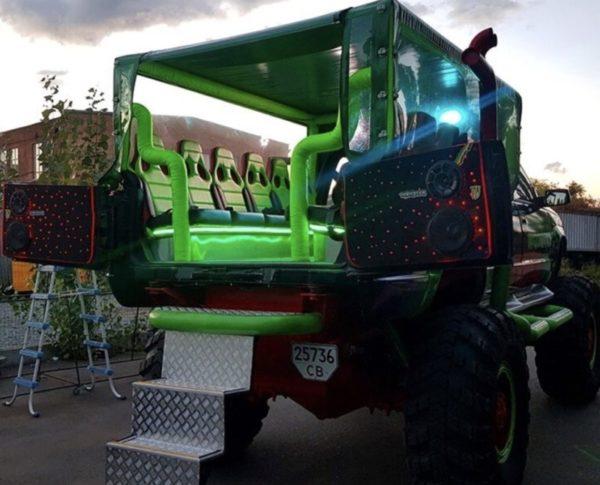 monster truck airport flughafen transfer kiev kiew jga stag bachelor party feiern planen ideen beste günstigste