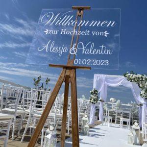 Personalisierter Willkommens Aufsteller für Hochzeit mit Name vom Brautpaar durchsichtig Leinwand Staffelei für Hochzeitsdeko mieten und leihen vom Verleih