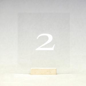 tischnummer acryl mit weisser nummer für hochzeit leihen