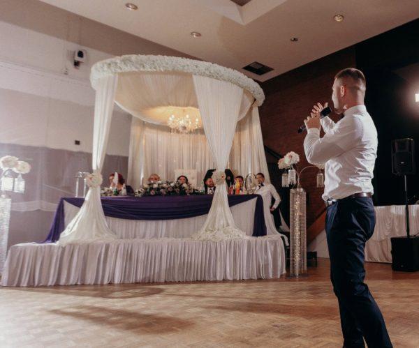 runder pavillon deutsch russisch türkisch für brautpaartisch und freie trauung mieten hochzeitsdeko