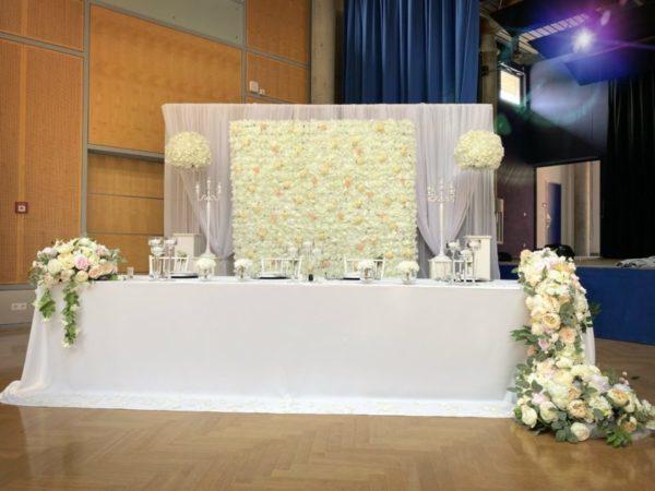Brautpaartisch und Rückwand Inessa mieten und leihen für Hochzeit deutsch russisch hochzeitsdeko verleih dekorateur trauung2