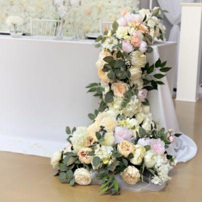 Brautpaartisch und Rückwand Inessa mieten und leihen für Hochzeit deutsch russisch hochzeitsdeko verleih dekorateur trauung9