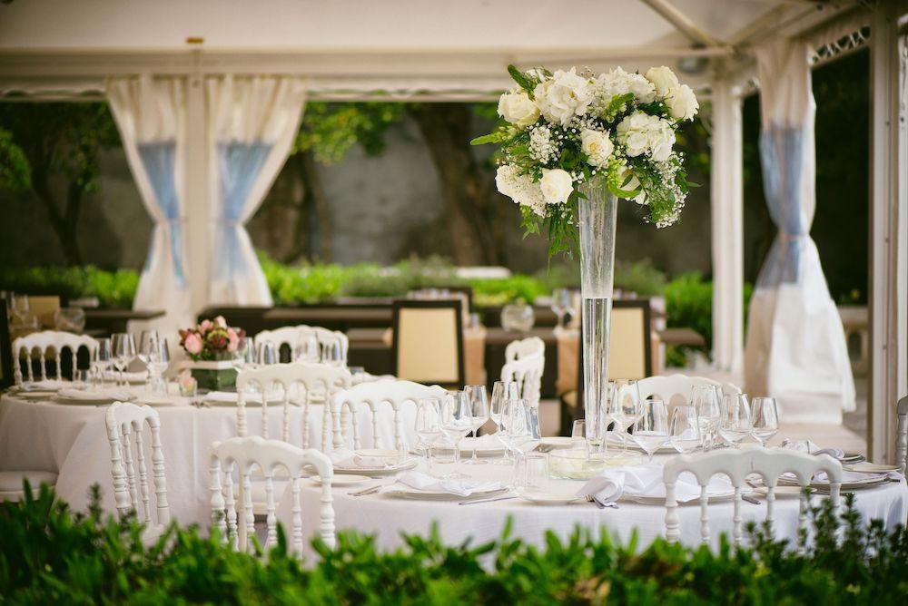Outdoor Hochzeit Trauung im freien dekorieren Dekoration mieten für draußen StasEvents verleih von Deko und Hochzeitsdeko 1