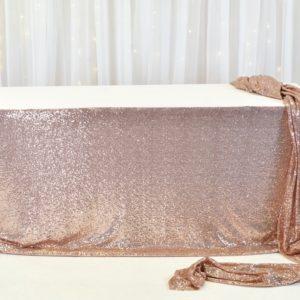 Tischrock rose gold für Brautpaartisch in rosegold mieten mit rückwand als Hochzeitsdeko leihen vom StasEvents Verleih2