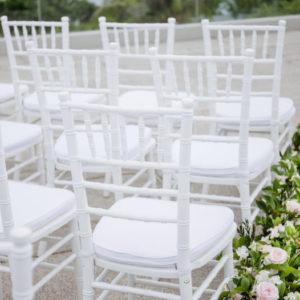 Mobiliar (Stühle, Tische...)