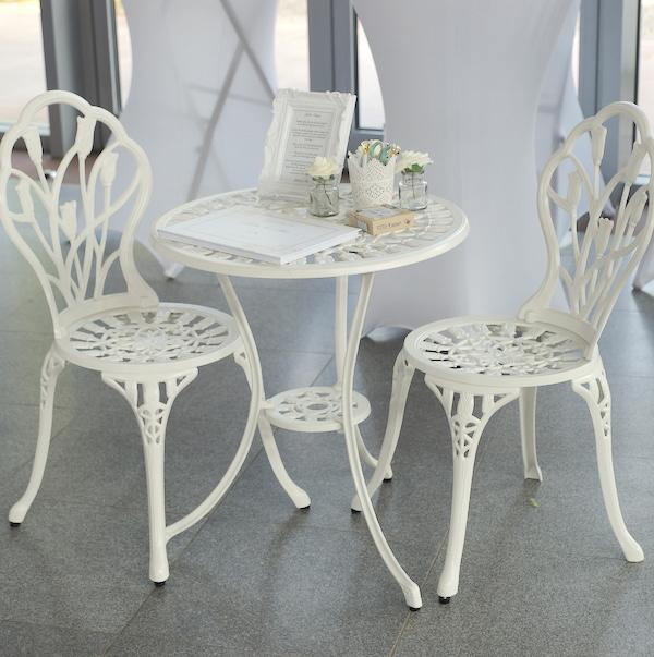 gästebuch tisch mit stühlen für hochzeit kaufen und mieten bei sunnydeko günstig
