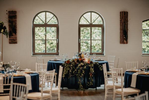 Brautpaartisch Rund mit Blumengesteck