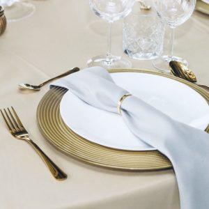 Platzteller gold glas finny unterteller für hochzeit dekoration beim dekoverleih mieten hochzeitsdeko