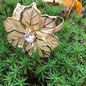 Serviettenring mit Strass aus Gold Blume Flower edel für Servietten und Stoff Hochzeit mieten und leihen Deko 1