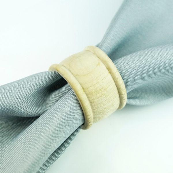 servietten ring ahon serviettenring für stoffservietten aus hellem holz für hochzeit mieten beim deko verleih