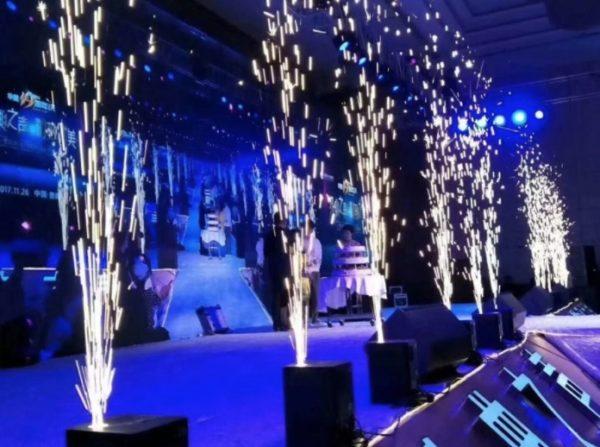 Feuerwerk Kaltfeuerwerk Indoor Bühnenfontäne leihen mieten verleih hochzeit fontäne maschine 1
