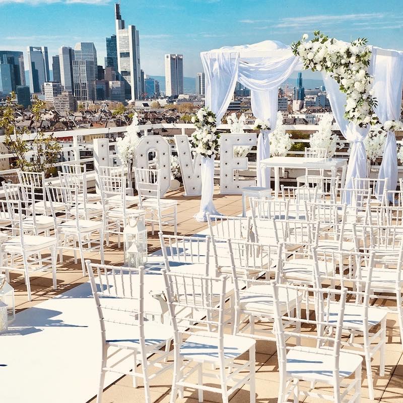 Freie Trauung Deko Dekoration Dekoverleih mieten und leihen für Hochzeit Pavillon Stühle Trautisch Teppich 12