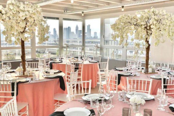 Hochzeitslocation Location Frankfurt Rhein Main Skyline Hochzeit und Event Dekoration 10