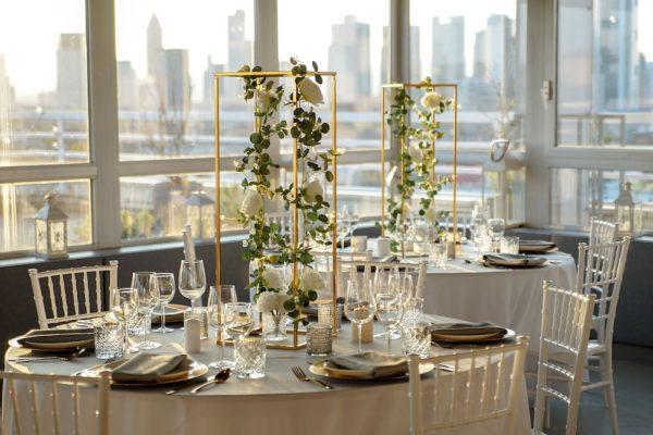 Hochzheitslocation Location für Hochzeit in Frankfurt und Dekoration in weiss gold mieten und leihen mit dekoverleih dekorateur 10
