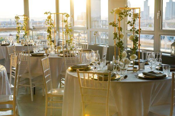 Hochzheitslocation Location für Hochzeit in Frankfurt und Dekoration in weiss gold mieten und leihen mit dekoverleih dekorateur 5