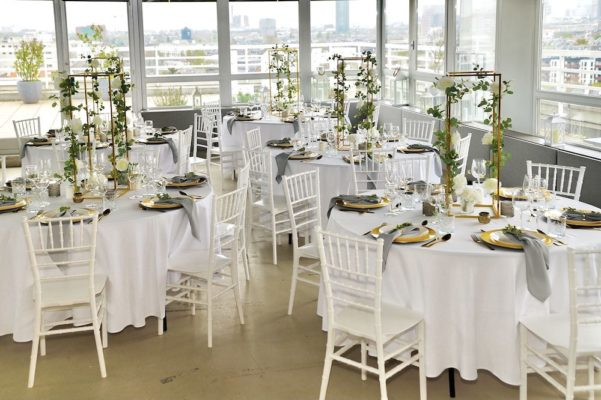 Hochzheitslocation Location für Hochzeit in Frankfurt und Dekoration in weiss gold mieten und leihen mit dekoverleih dekorateur 6