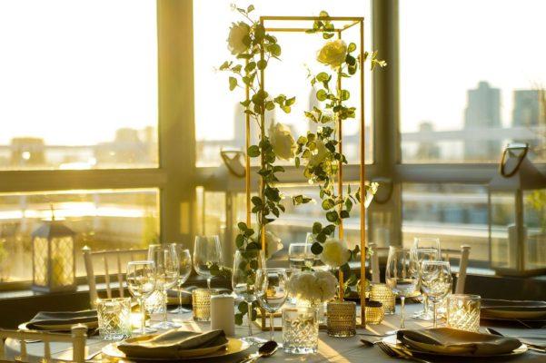 Hochzheitslocation Location für Hochzeit in Frankfurt und Dekoration in weiss gold mieten und leihen mit dekoverleih dekorateur 9
